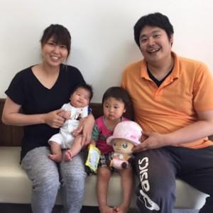 産後骨盤矯正を受けられたママと子供さん2人