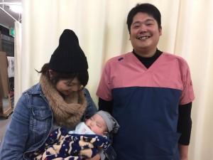 中田院長と産後骨盤矯正を受けられたママさん